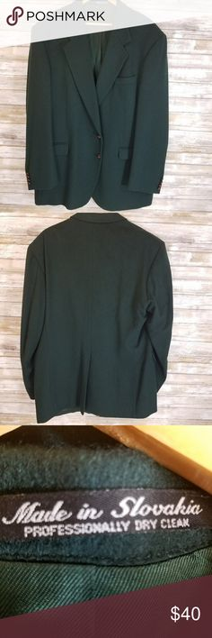 Mens Tailors Row by Deansgate blazer Green camel hair designer blazer Dry clean only Good condition  Measurements(flat) bust 25, waist 23, bottom hem 24, length 19, S to S 21, sleeve 27 tailors row by deansgate Suits & Blazers Sport Coats & Blazers