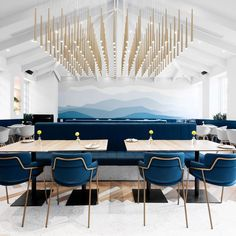 The light feature in this old school building in Shanghai transformed into a restaurant consists of 169 Slim pendants from Vibia - our bestseller of 2017 #modern #modernlighting #modernliving #moderninterior #modernhouse #modernhome #modernstyle #moderndesign #design #designinspo #interiordesign #homedesign #interiordesigner #professionaldesigner #homedesign #homedesigner #housedesign #designing #homedesigninspiration #lighting #home #interiors #howyouhome #homeideas