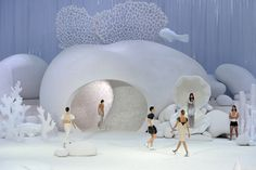 Breathtaking! 2012 Chanel Fashion Show - Modern interpretation of under the sea theme.