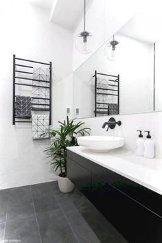 40 Luxury Black and White Bathroom Ideas - Page 16 of 40