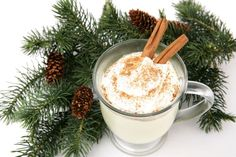 When it gets freezing, hot alcohol drinks are the best remedy! We've tested 9 easy warming drinks recipes, from mulled wine to amaretto cocktails to eggnog. Winter holidays will become a little bit cozier with a hot and delicious drink in your hand. Winter Cocktails, Holiday Drinks, Holiday Recipes, Holiday Foods, Christmas Cocktails, Christmas Parties, Holiday Time, Party Drinks, Cocktail Recipes