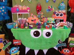 Monster activities: Love the easy table cloth for a monster theme at school. Boy First Birthday, Birthday Fun, First Birthday Parties, Birthday Party Themes, First Birthdays, Halloween First Birthday, Birthday Ideas, Monster Inc Party, Little Monster Party