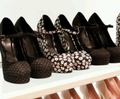 I love shoeess
