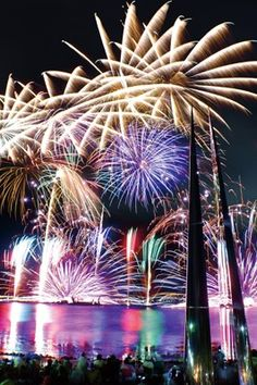 Suwako, Nagano, Japan Fireworks  諏訪湖祭湖上花火大会