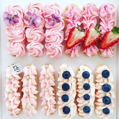 Raspberry and Milk Chocolate Eclairs Köstliche Desserts, Plated Desserts, Delicious Desserts, Cookies Et Biscuits, Cake Cookies, Mini Cakes, Cupcake Cakes, Cake Fondant, Nectar And Stone