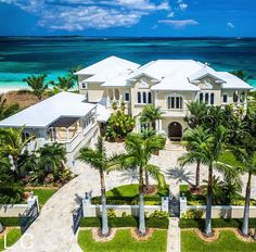 Super Mansion In Florida