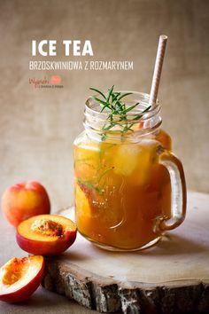 Mrożona herbata brzoskwiniowa z rozmarynem/ peach ice tea)