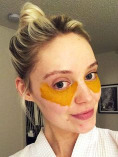 This Viral DIY Turmeric Mask Recipe Cured My Dark Under-Eye Circles for Real eye care This Viral DIY Turmeric Mask Cured My Dark Under-Eye Circles for Real Dark Under Eye, Dark Circles Under Eyes, Under Eye Mask, Eye Cream For Dark Circles, Under Eye Makeup, Turmeric Mask, Tumeric Face, Beauty Hacks For Teens, Skin Tag