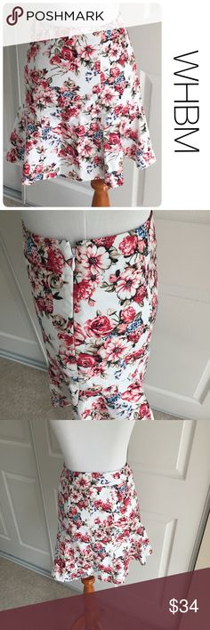 NWT WHBM floral skirt size 00 ♦️New with tag                                               ♦️Materials- 98 cotton/2 spandex  t        ♦️Measurements:                                                   ♦️waist  13 inches                                                 ♦️length  18 inches White House Black Market Skirts Mini
