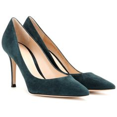 Gianvito Rossi Suede Pumps (9,120 MXN) ❤ liked on Polyvore featuring shoes, pumps, green, suede leather shoes, green pumps, green suede pumps, gianvito rossi and suede shoes
