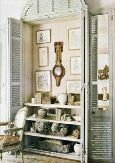 armoire | http://bathroomdesigncollections.blogspot.com