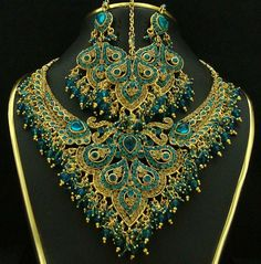Comes the most interesting jewelry designs. In this photo gallery, the best indian jewelry designs with you. Indian jewelry has been exaggerated designs. Jewelry Art, Wedding Jewelry, Antique Jewelry, Beaded Jewelry, Jewelry Accessories, Beaded Necklace, Teal Necklace, Peacock Necklace, Necklaces