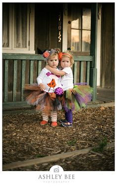 Love these wittle girls and their fall tutus!