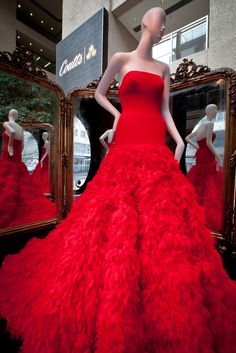 ralph russo  fashion | Ralph and Russo  Fit for the Red Queen?