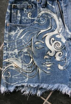I love to rescue old denim and give it a new life. These hand bleached denim shorts have one of my original pieces of art work on them. Diy Jeans, Recycle Jeans, Jeans Denim, Waisted Denim, Painted Jeans, Painted Clothes, Hand Painted, Painted Shorts, Denim Kunst