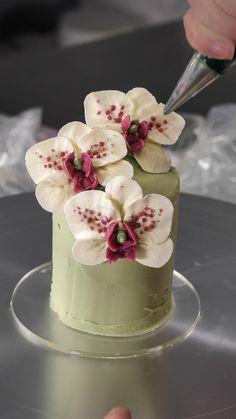 Buttercream Cake Decorating, Cake Decorating Designs, Creative Cake Decorating, Cake Decorating Techniques, Cake Decorating Tutorials, Creative Cakes, Cookie Decorating, Cookie Cake Designs, Buttercream Designs
