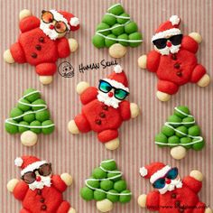 Dress up your Santa  with ozeal sunglasses on Christmas #charistmas #sunglasses www.ozealglasses.com/sunglasses