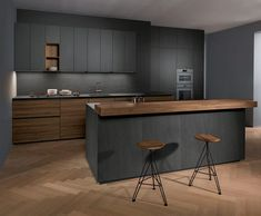 """For a small kitchen """"spacious"""" it is above all a kitchen layout I or U kitchen layout according to the configuration of the space. Kitchen Room Design, Kitchen Cabinet Design, Kitchen Sets, Modern Kitchen Design, Kitchen Layout, Home Decor Kitchen, Interior Design Kitchen, Kitchen Furniture, New Kitchen"""