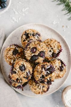 Flourless Blueberry Muffins: Naturally sweetened blueberry muffins made with almond and coconut flours. Chef Recipes, Muffin Recipes, Dessert Recipes, Cooking Recipes, Healthy Recipes, Healthy Options, Healthy Baking, Easy Recipes, Healthy Blueberry Muffins