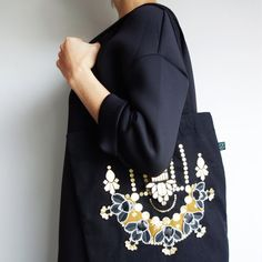 Black EMBELLISHED TOTE BAG. Cotton shopper hand by dAKOTArAEdUST Bold Prints, Floral Prints, Clutch Bags, Grey Sweatshirt, Vintage Prints, Cotton Tote Bags, Hand Stitching, Printed Cotton, Fancy