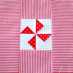 Block Prairie points pinwheel – Textured quilt sampler tutorial (Sewn up, TeresaDownUnder) Pinwheel Quilt Pattern, Quilt Patterns, Pinwheel Tutorial, Prairie Points, Quilting Tutorials, Quilting Ideas, Quilting Projects, Sewing Projects, Fabric Origami
