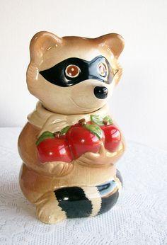 *RACOON METLOX: Vintage Raccoon Metlox California Pottery ~ Cookie Jar