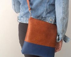 Vegan Leather Bag Simple Crossbody Bag Everyday Purse by reabags Navy Crossbody Bag, Medium Crossbody Bags, Distressed Leather, Cowhide Leather, Leather Purses, Leather Bag, Everyday Bag, Medium Bags, Real Leather