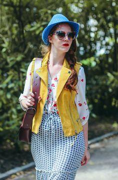 Blouse, vest, skirt/F&F, hat/Tonak, bag/Lindex, glasses/Fokus optik, bracelet/Trollbeads