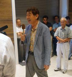 マイク持って話すのが堂に入ってますね。私はとても緊張します。 #vegas1200 #蛭子能収 #パーラージャンバリ