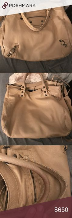 Beige Balenciaga City Bag Used Balenciaga city tote. Excellent condition, only worn on handles and corners of bag. Balenciaga Bags Totes