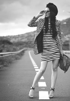animal print + stripes   fashion blog   photography   outfits   lookshttp://ruedetreschic.blogspot.com/2015/11/animal-print-stripes.html