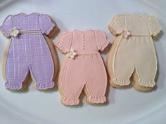 Baby Girl Cookies, Onesie Cookies, Meringue, Baby Girl Themes, Baby Candy, Baby Girl Romper, Baby Onesie, Grey Baby Shower, Biscuits