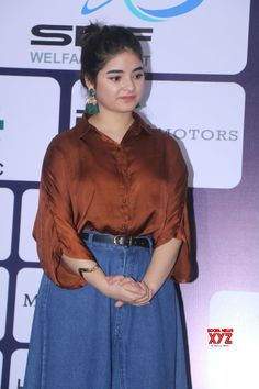 Mumbai: Zaira Wasim and Abhishek Bachchan at edition of pro Am championship - Social News XYZ Crazy Outfits, Summer Work Outfits, Cute Casual Outfits, Designer Party Wear Dresses, Indian Designer Outfits, Bollywood Girls, Bollywood Fashion, Fashion Poses, Fashion Outfits