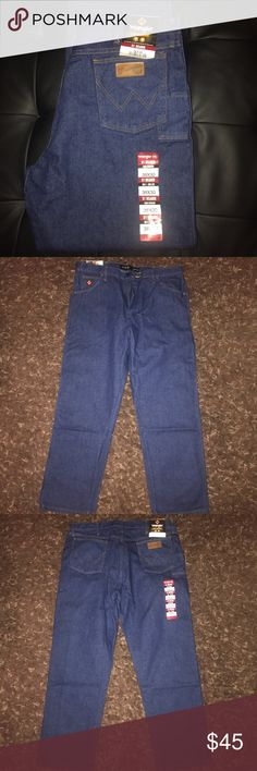 👨🏭🔥Men's FR31MWZ Wrangler Jeans🔥👨🏭 👨🏭🔥Flame Resistant Jeans.  Brand new with Tags. Great for welders or any one that works with fire.  🔥👨🏭 Wrangler Jeans Relaxed