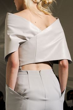 The Art of Wrapping... sharp silhouettes, wrapped leather structure; fashion details // Maison Martin Margiela