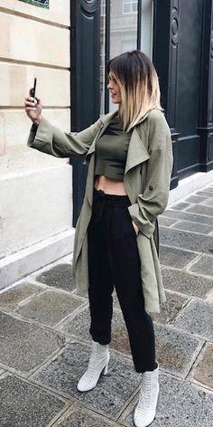 caroline-receveur-paris-green trench-black jo