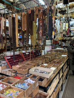 The Paris Flea Market: The Ultimate Way to Visit Marché aux Puces Amsterdam Travel, Paris Travel, Paris Flea Markets, Paris Shopping, Paris Art, Holiday Time, Fleas, Paris France, Belgium
