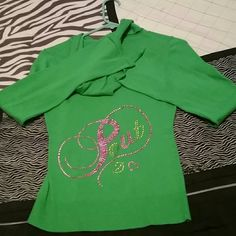 Bling Pout victoria's secret hoodie Really nice barely used all the bling complete just like new (NO TRADES ) Victoria's Secret Sweaters