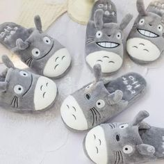 1 Pair Anime My Neighbor Totoro Plush Cotton Slippers Cute Couples Slippers Soft Slippers, Cute Slippers, Totoro Merchandise, Anime Crafts, Funny Expressions, Kawaii Room, My Neighbor Totoro, Unisex, Gift For Lover