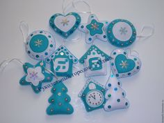 white and blue Quilted Ornaments, Felt Christmas Ornaments, Handmade Ornaments, Handmade Christmas, Christmas Diy, Felt Decorations, Handmade Decorations, Christmas Tree Decorations, Felt Crafts
