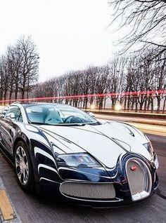 Hiper Estilos & Luxos Bugatti Veyron (via theautospa) #BugattiChiron