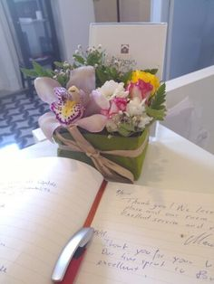 qui a dit que seulement les hôteliers sont attentif à la clientéle? ..... mais oui, c'est comment ça mais il est également vrai le contraire :-) .... Anna, voilà ici Un Cadeau reçu pour notre gentillesse    MERCI