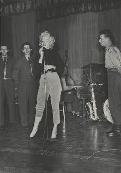 Marilyn rehearsing with the band Anything Goes during her trip to Korea, 1954.