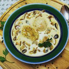 Schwammerl mit Semmelknödel... hmmmmmm.... http://ift.tt/2bU4rJW #foodies #fraubpunkt #pin #ichliebefoodblogs #dumplings #bavarian #soup #mushrooms #pilze #knödel