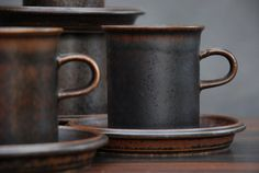 Lovely brown Ruska coffee cups by Arabia of Finland (I have the coffee cups and the tea cups! Pottery Mugs, Ceramic Pottery, Cerámica Ideas, Serveware, Tableware, Kitchenware, Ceramic Cups, Decorating On A Budget, Handmade Pottery