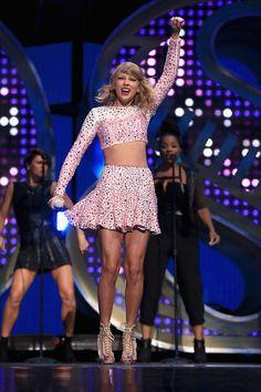 Taylor swift upskirt pic — photo 6