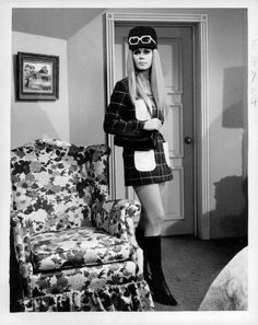 """Elizabeth Montgomery As """"Serena"""" Samantha Stephens Identical Cousin in """"Bewitched."""""""