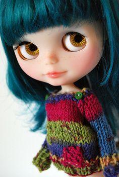 Blythe, wearing a jumper a bit like one i have ;)