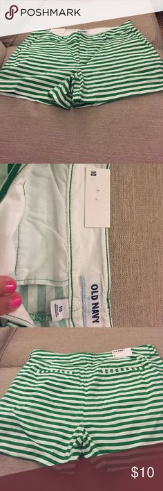 Old Navy Striped Shorts New with tags! Perfect for st pattys day! Old Navy Shorts Skorts