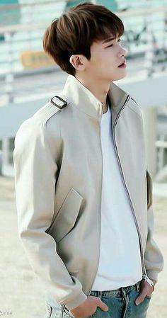 "Park Hyung Sik 박형식 ""Hwarang: The Poet Warrior Youth"" 樸炯錫 Park Hyung Sik, Park Hae Jin, Park Seo Joon, Asian Actors, Korean Actors, Park Hyungsik Cute, Ahn Min Hyuk, Park Bo Gum, Park Bo Young"